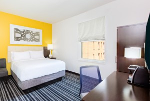 Holiday Inn Express San Francisco Union Square - Guest room with 1 queen bed